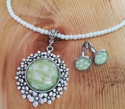 1 Perlenset Kette und Ohrringe