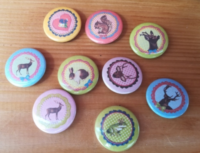Mischung 10 Buttons, 25 mm, Kindermotive